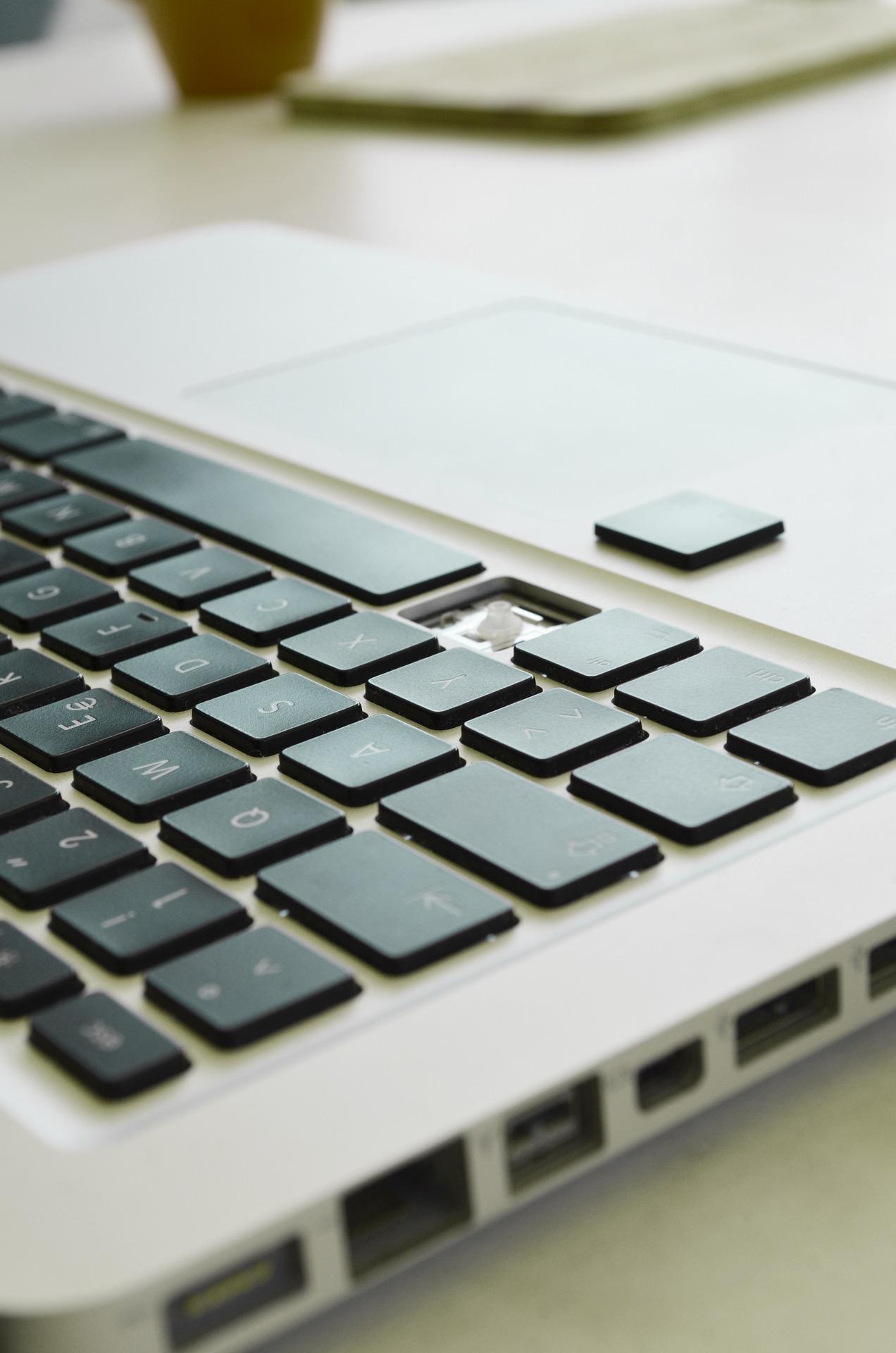computer-2792013_1920